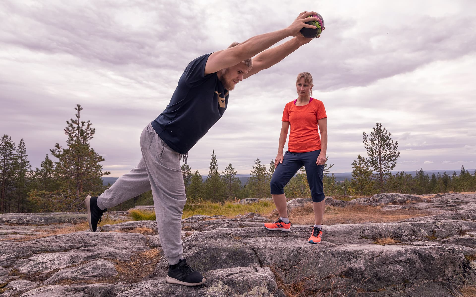 Tanja Poutiainen supervises the exercise in Ounasvaara
